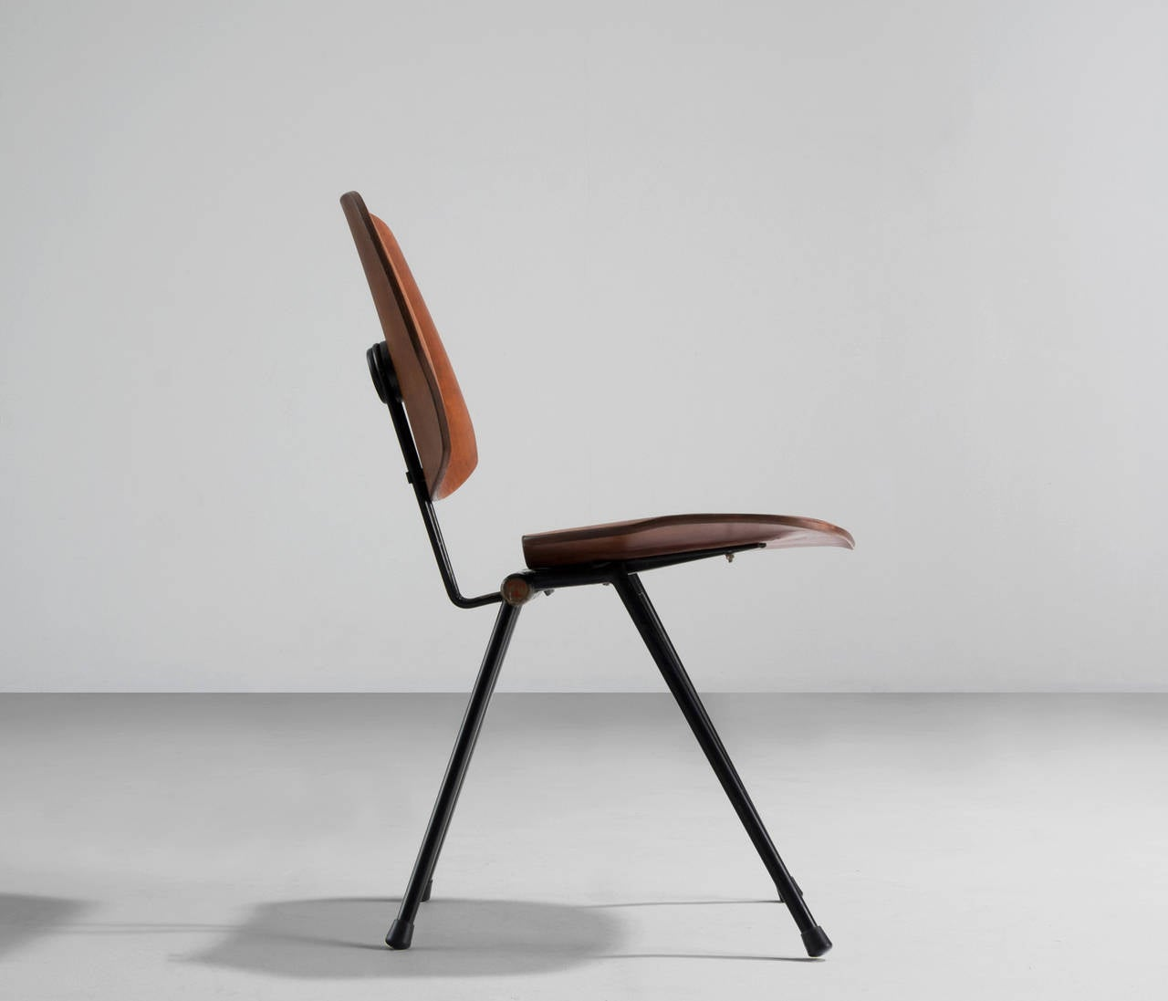 Osvaldo Borsani S88 Folding Chair For Tecno At 1stdibs