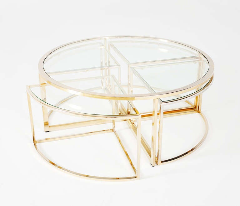 unique round brass coffee table with 4 accompanying nesting tables at 1stdibs. Black Bedroom Furniture Sets. Home Design Ideas