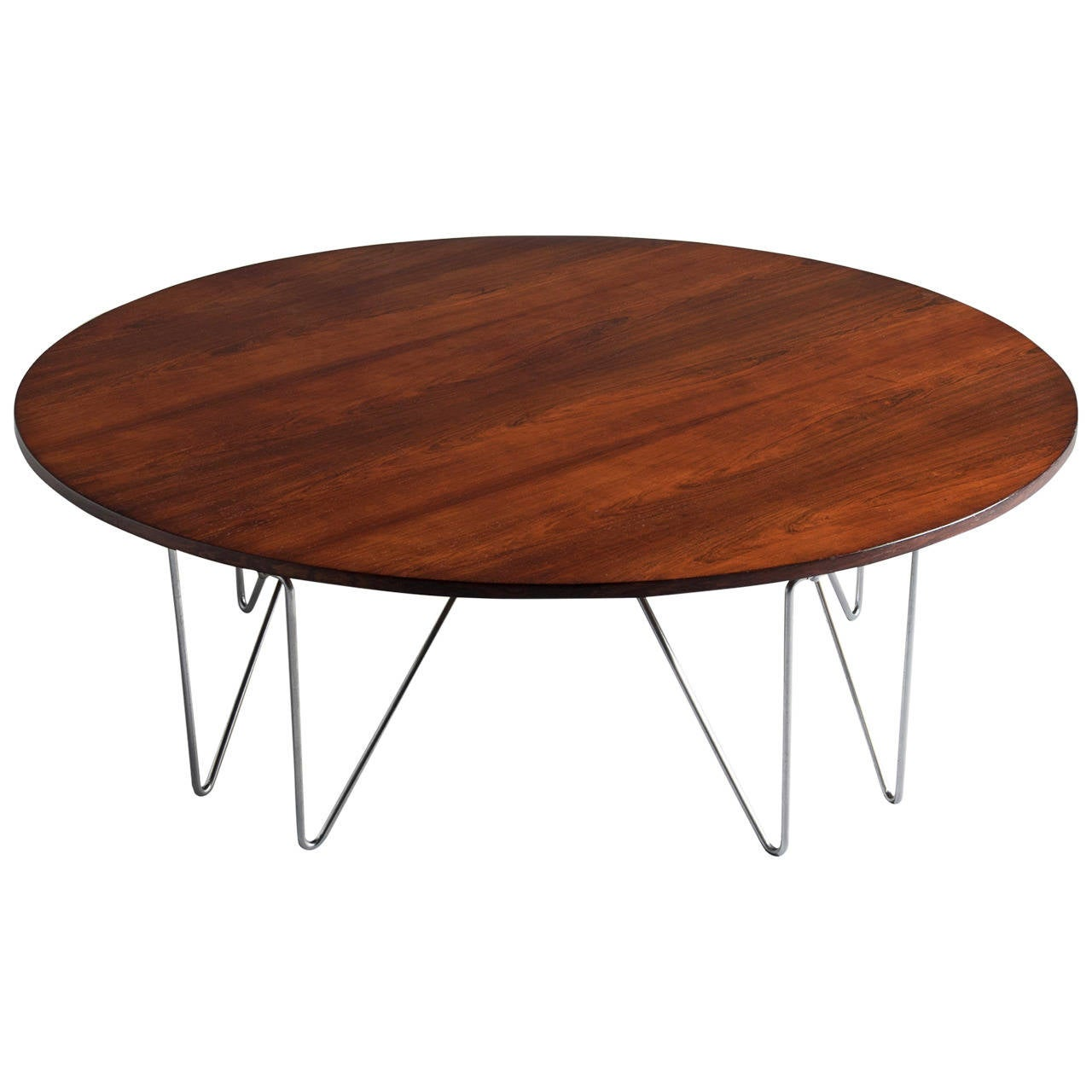 Large round coffee table in rosewood at 1stdibs Wide coffee table
