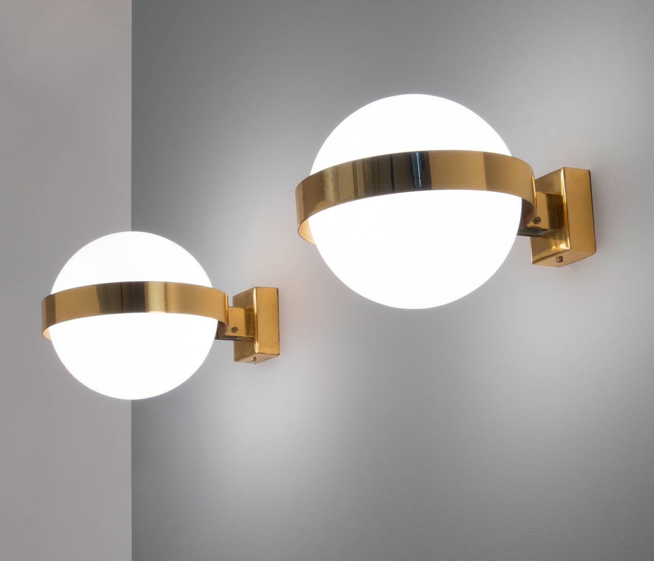 Extra Large Wall Lights : Extra Large Wall Lights in Brass with Floating Globes For Sale at 1stdibs