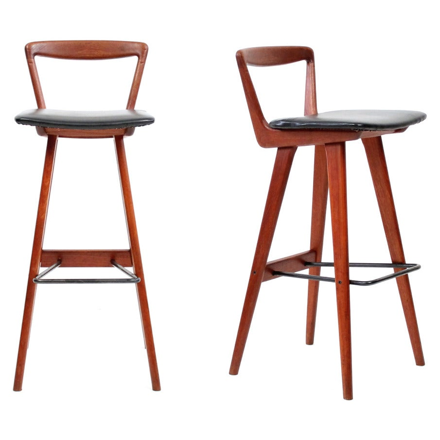 Pair Of Teak Bar Stools By Henry Rosengren Hansen At 1stdibs