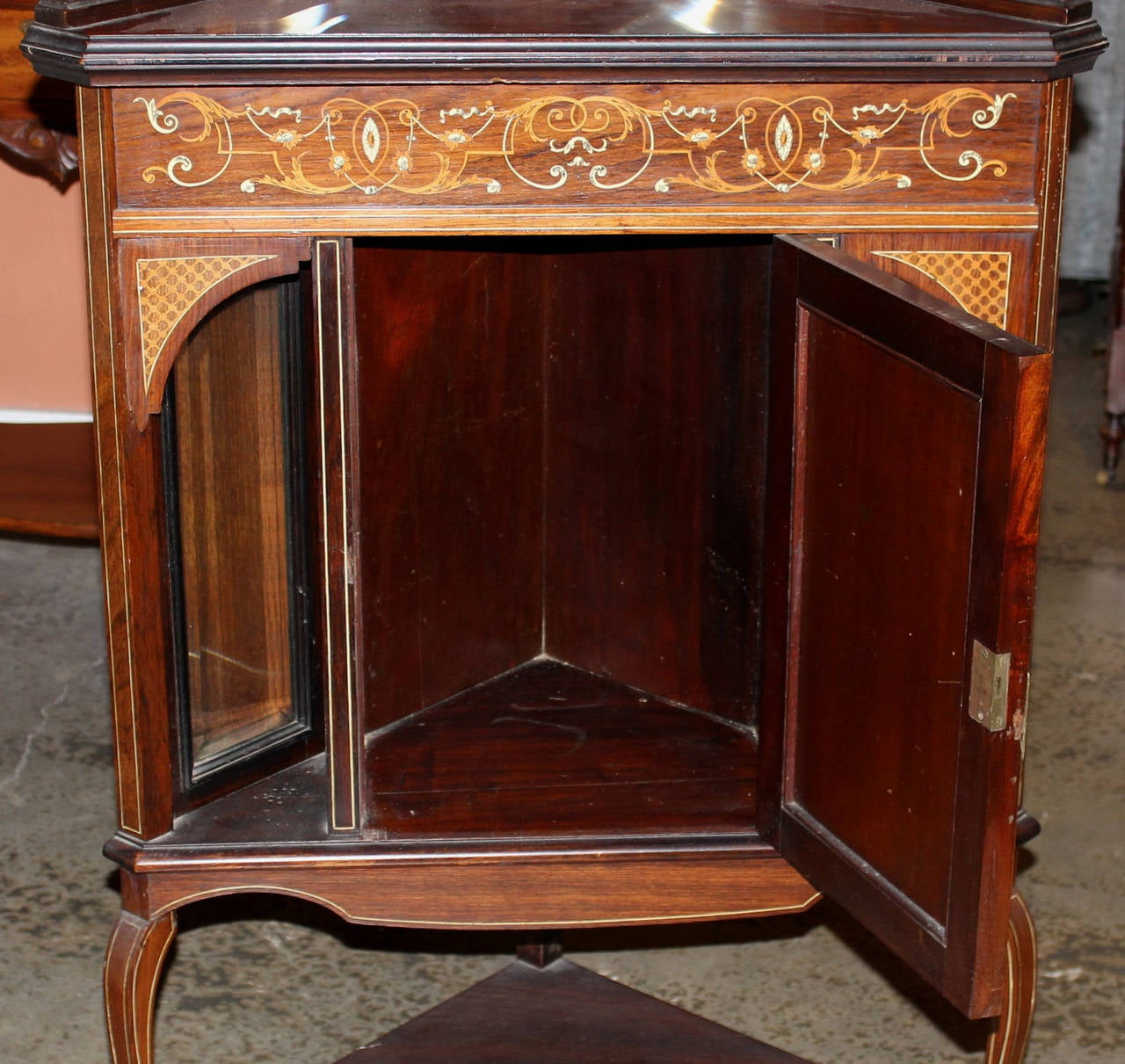 19th century english inlaid rosewood corner cupboard with for Asian furniture tottenham court road
