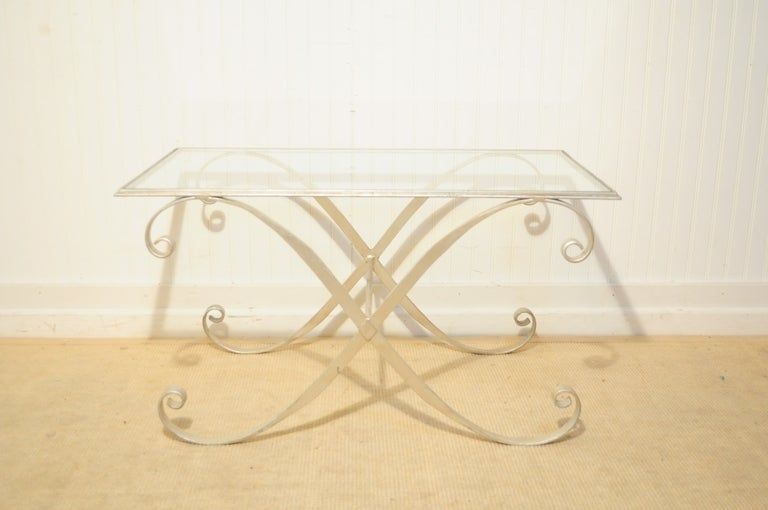 Italian Hollywood Regency Iron X-Frame Rectangular Silver Scrolling Coffee Table In Good Condition For Sale In Philadelphia, PA