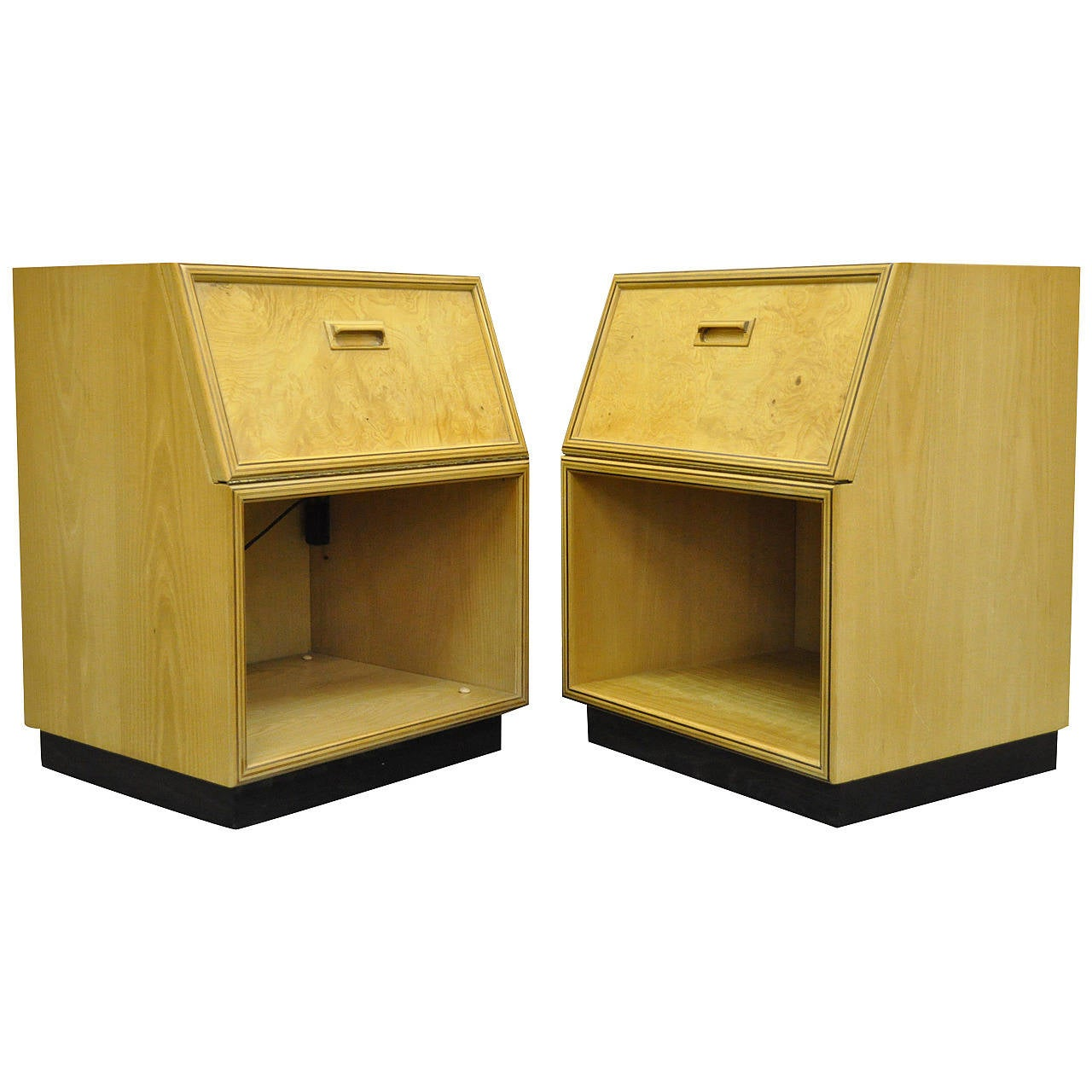 Pair of Henredon Scene Two Nightstands or Bedside Tables after Milo Baughman