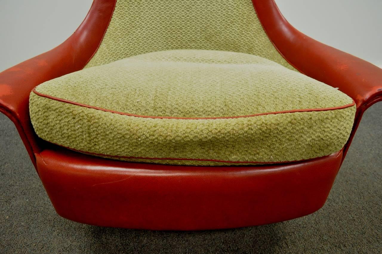 Petite Sculptural Milo Baughman Tear Drop Swivel and Tilt Slipper or Club Chair For Sale 2