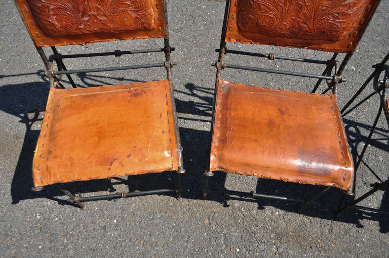 Set 4 Iron & Tooled Leather Brutalist Dining Chairs Attributed after Ilana Goor For Sale 1