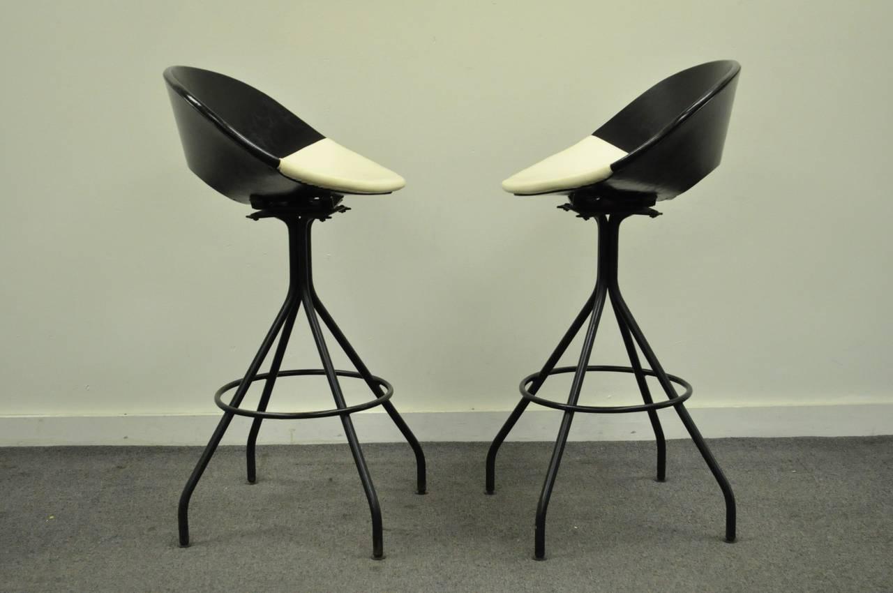 Circa 1950s Pair Of Mid Century Italian Style Modern