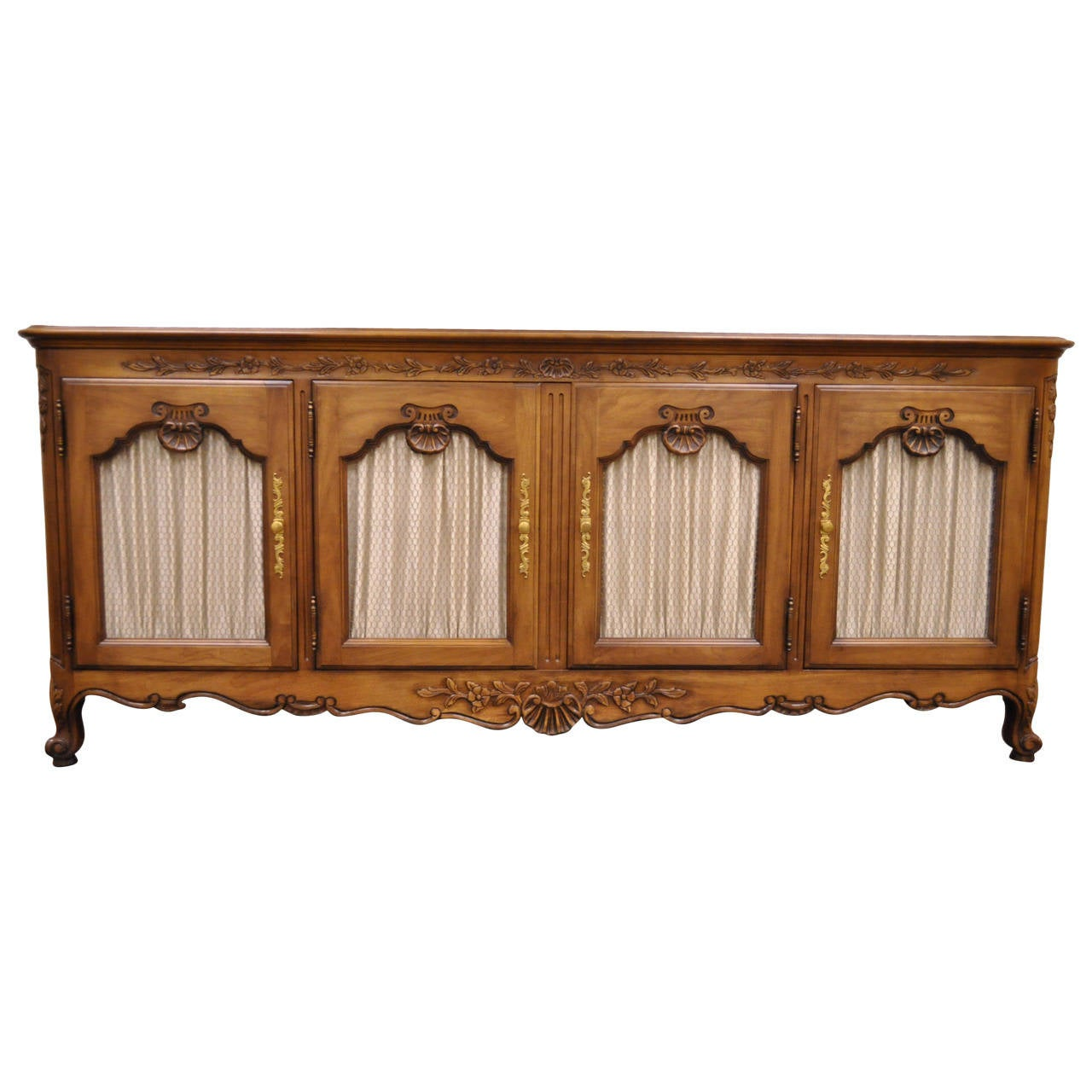 hand carved french country or louis xv style vintage sideboard by kindel for sale at 1stdibs. Black Bedroom Furniture Sets. Home Design Ideas