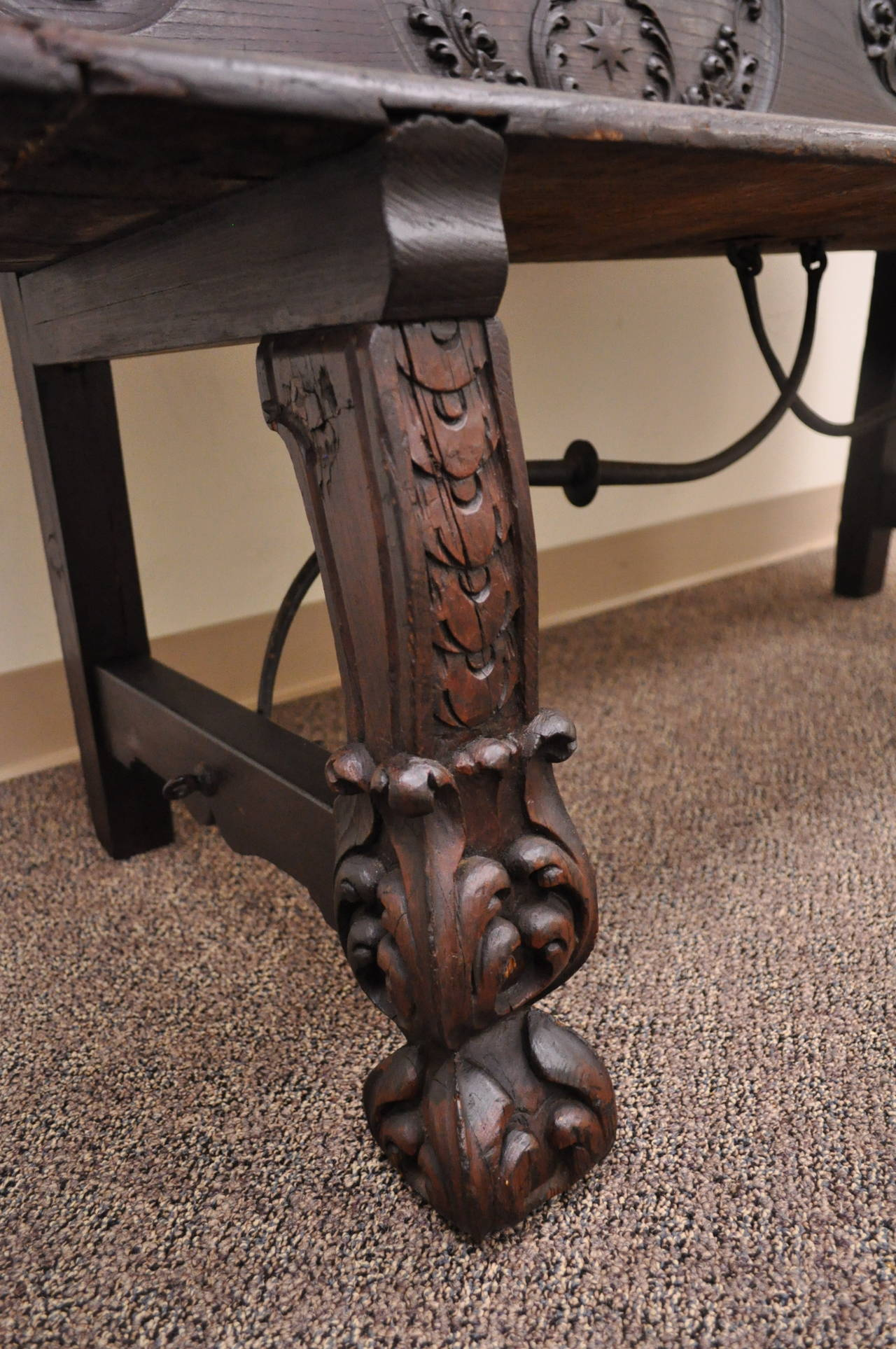 17th Century English Renaissance Carved Oak and Wrought Iron Bench Banquette For Sale 1