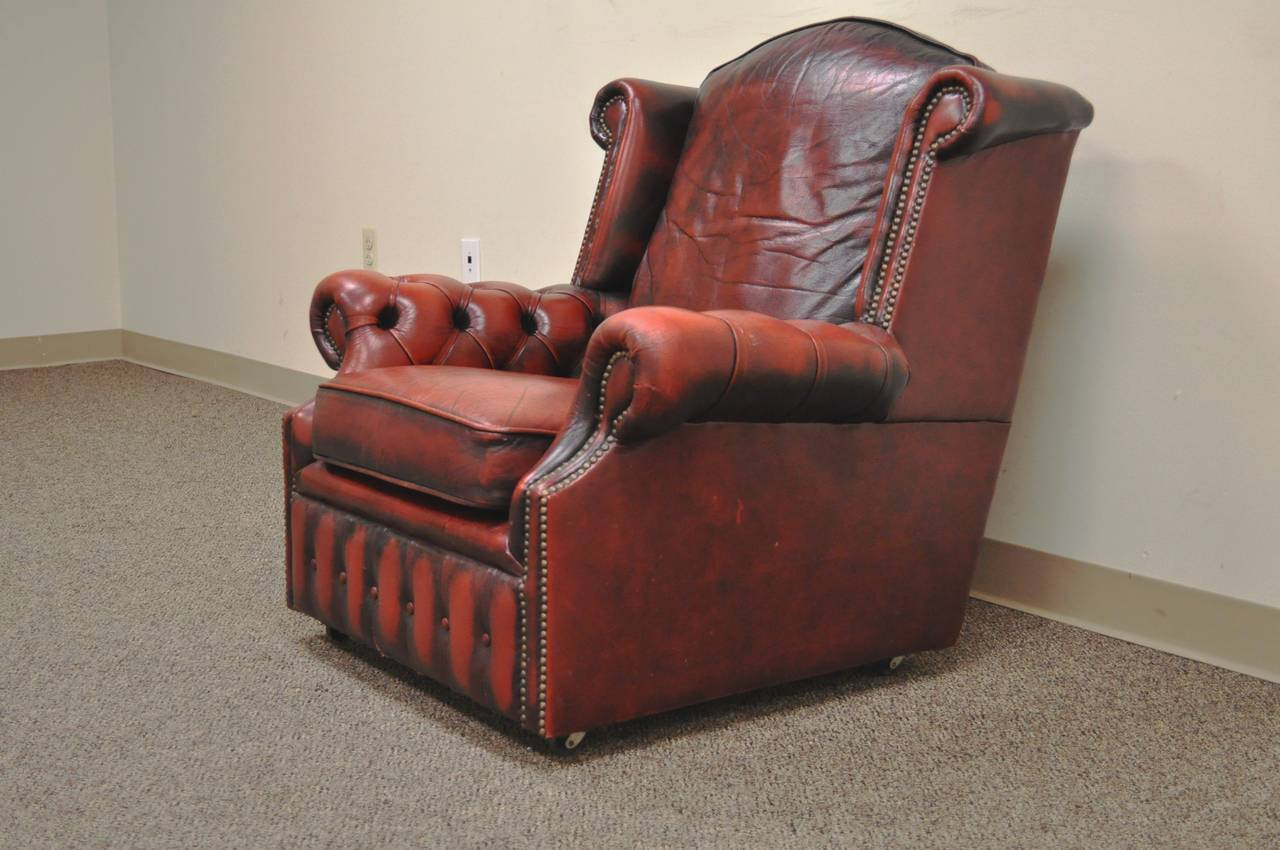 Striking Rolled Arm Tufted Chesterfield Style Lounge Chair in Red Leather For Sale 6