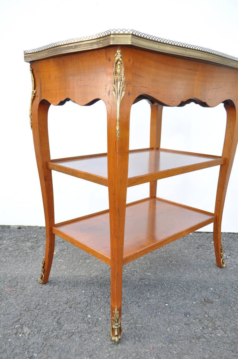 Quality French Louis XV Style One Drawer Lamp End Table with Bronze Ormolu For Sale 4