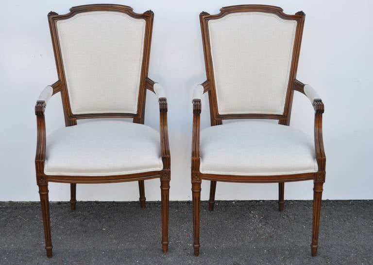 Set of Six Walnut French Country Louis XVI Style Upholstered Dining Room Chairs In Excellent Condition For Sale In Philadelphia, PA