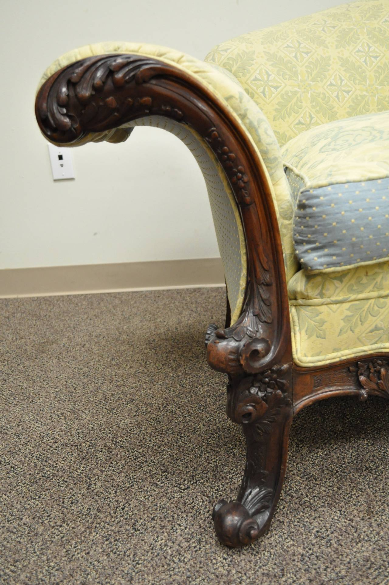 English 19th Century Georgian Style Rolled Arm Carved Mahogany Antique Curved Sofa For Sale