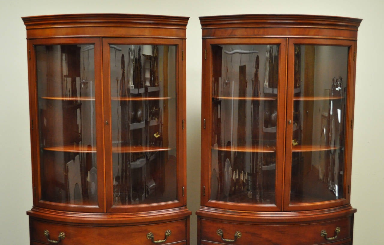 American Classical Pair of 1940s Curved Glass Demilune Form Mahogany Corner  China Cabinets For Sale - Pair Of 1940s Curved Glass Demilune Form Mahogany Corner China