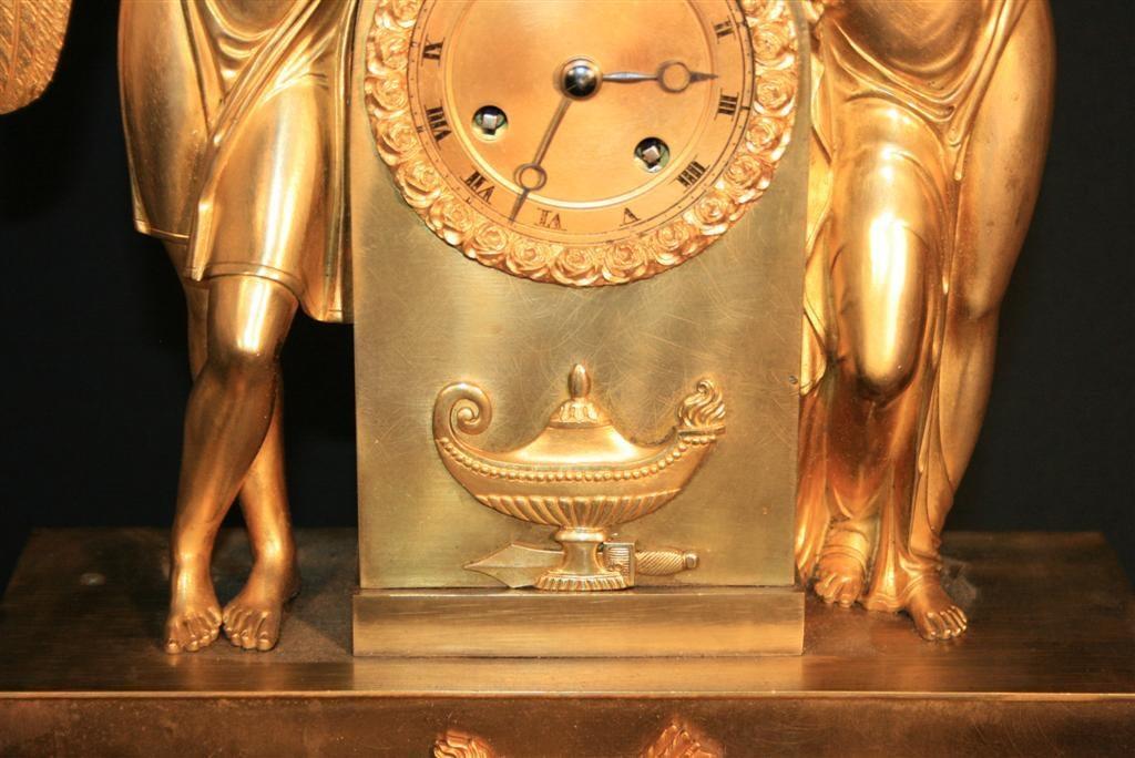 19th Century French Empire Gilt Dore Bronze Figural Amour & Psyche Mantel Clock In Good Condition For Sale In Philadelphia, PA