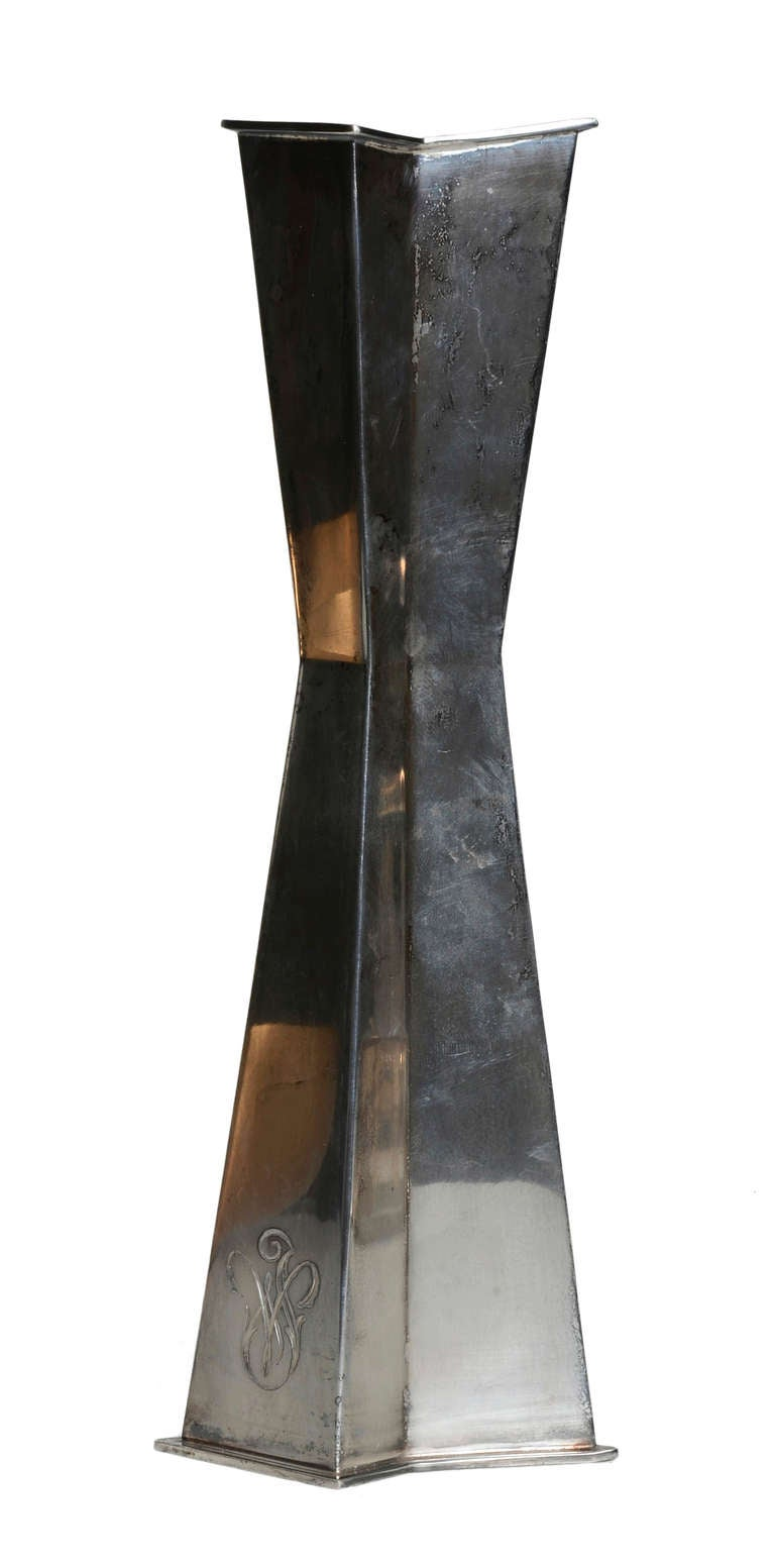 Tapio Wirkkala Geometric Silver Vase In Good Condition For Sale In Toronto, Ontario