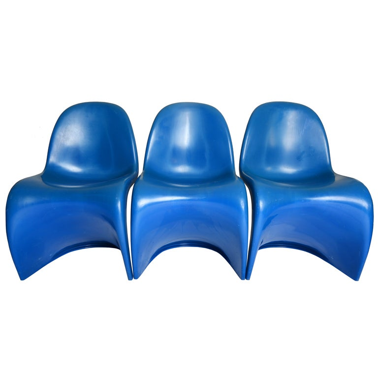 """three Verner Panton """"S"""" chairs in bright blue 1"""