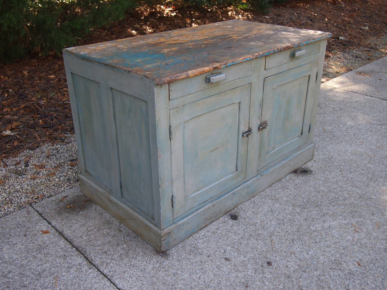 18th Century French Painted Kitchen Cabinet In Good Condition For Sale In Nashville, TN