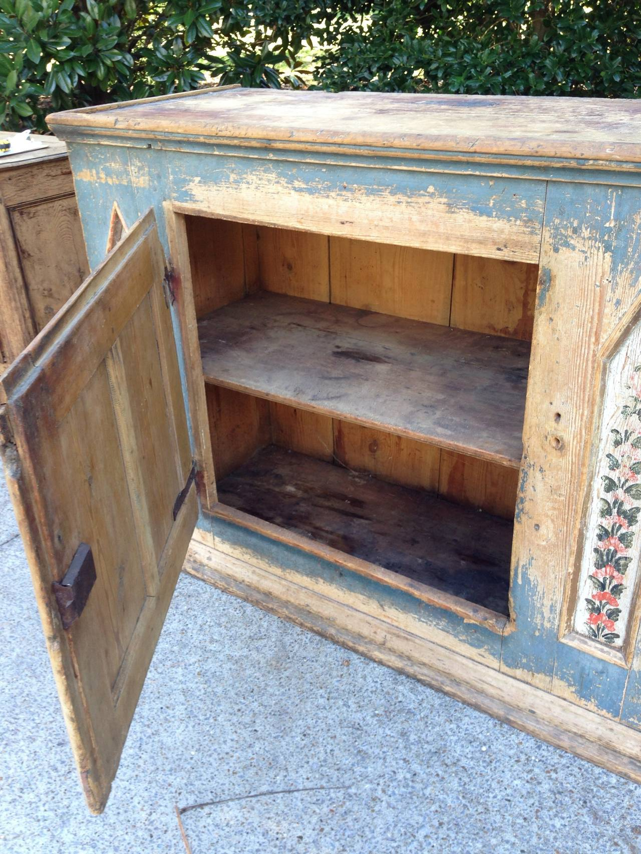 Lovely antique painted Swedish cupboard with original paint. One center door and one shelf inside.