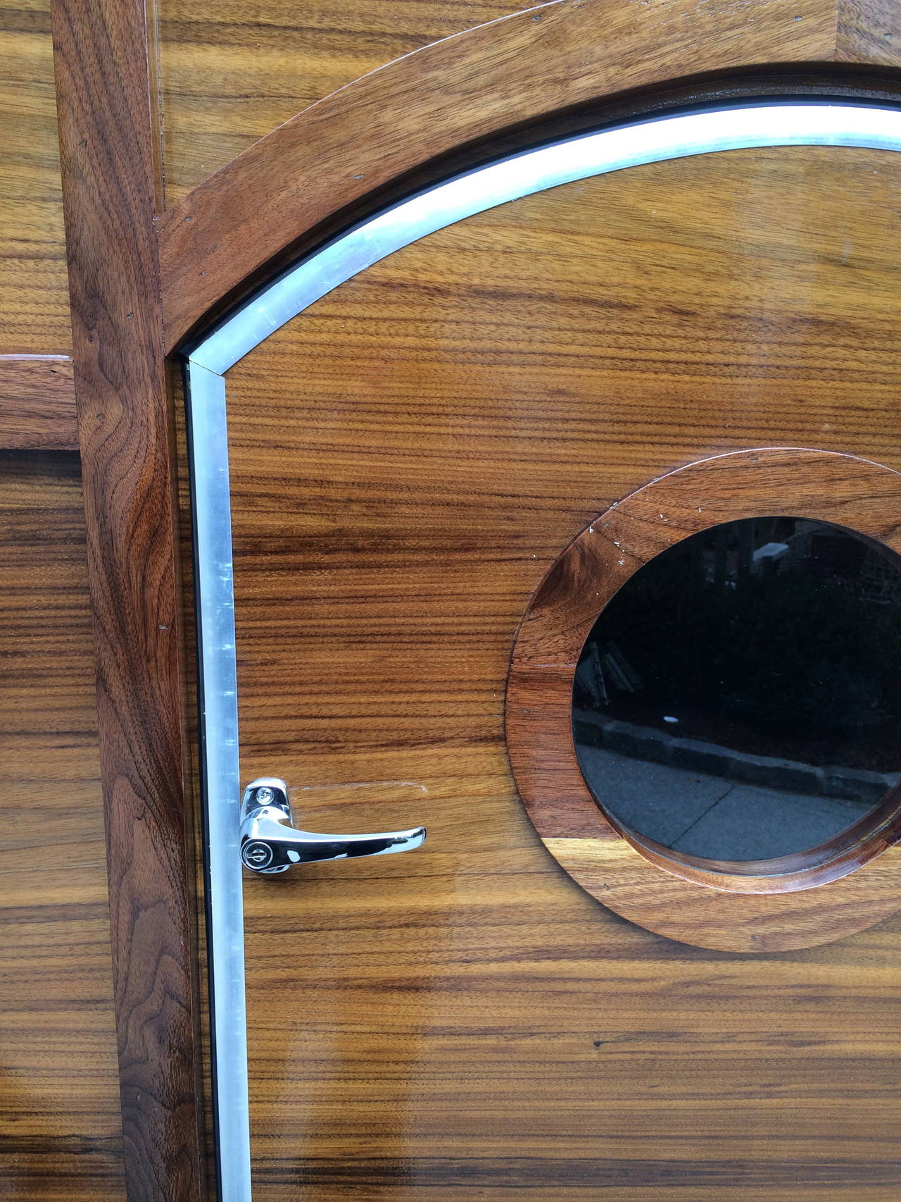 Holiday sale mahogany retro style teardrop tailgate for Mahogany door skin