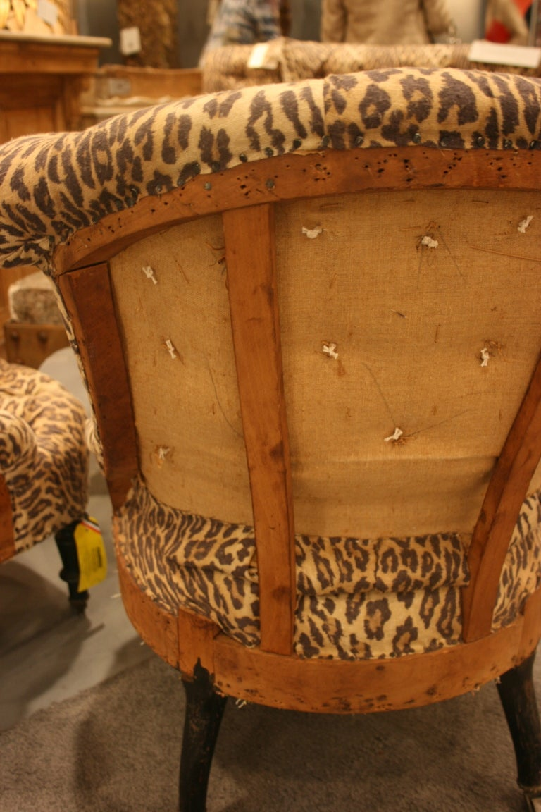 Pair of Napoleon III tufted Salon Chairs In Good Condition For Sale In Nashville, TN