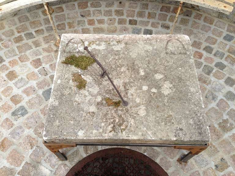 19th C. French Stone Sundial In Good Condition For Sale In Nashville, TN