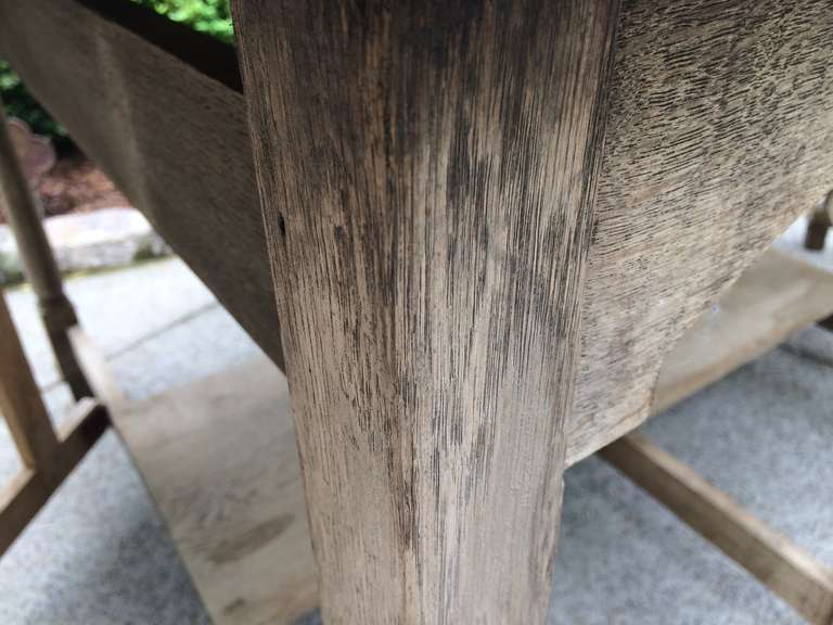 19th Century French Bleached Oak Drop Leaf Gate-Leg Dining Table 7