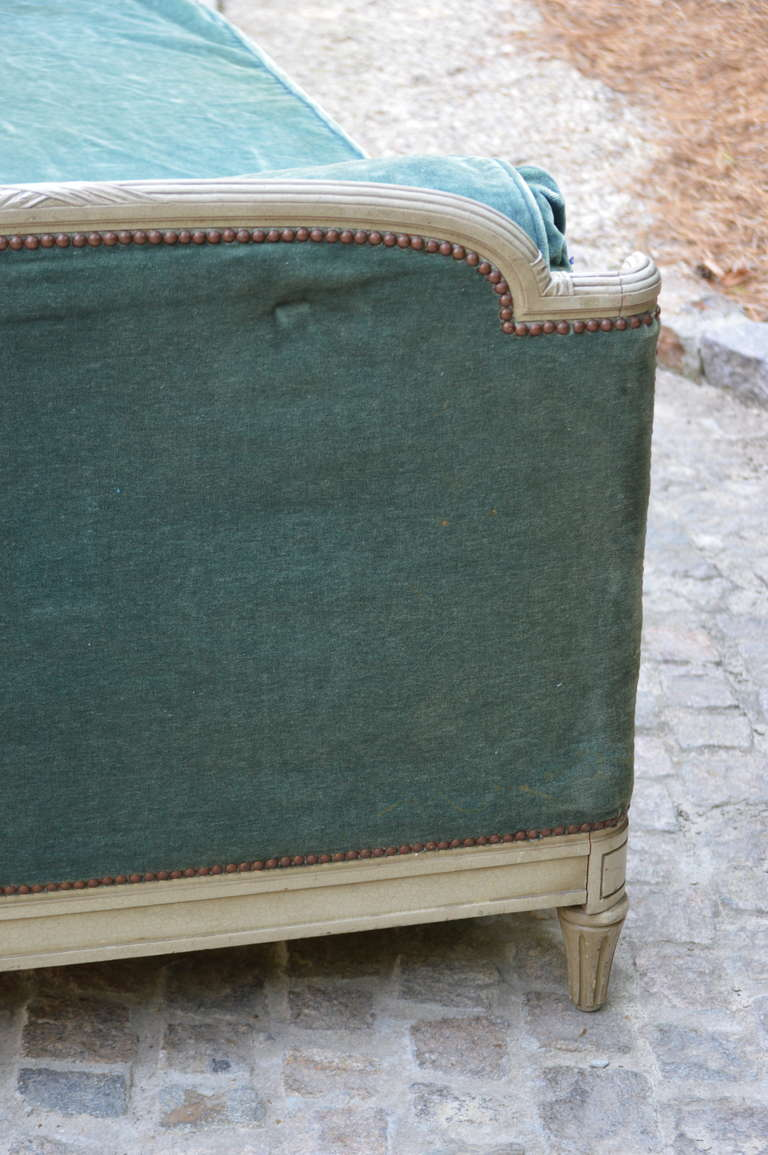 1939 Bon Marche Mohair Vevet Daybed with Original Tags For Sale 1
