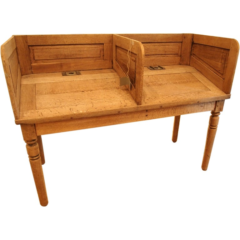 19th c. French Oak railroad station counter For Sale