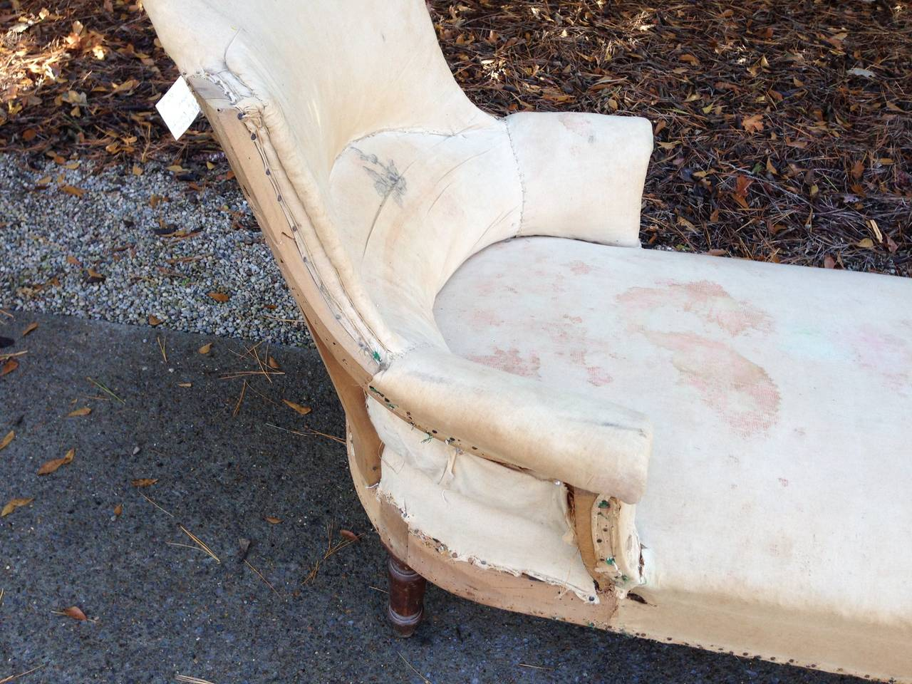 19th Century 19th C French Shield Back Chaise Lounge For Sale
