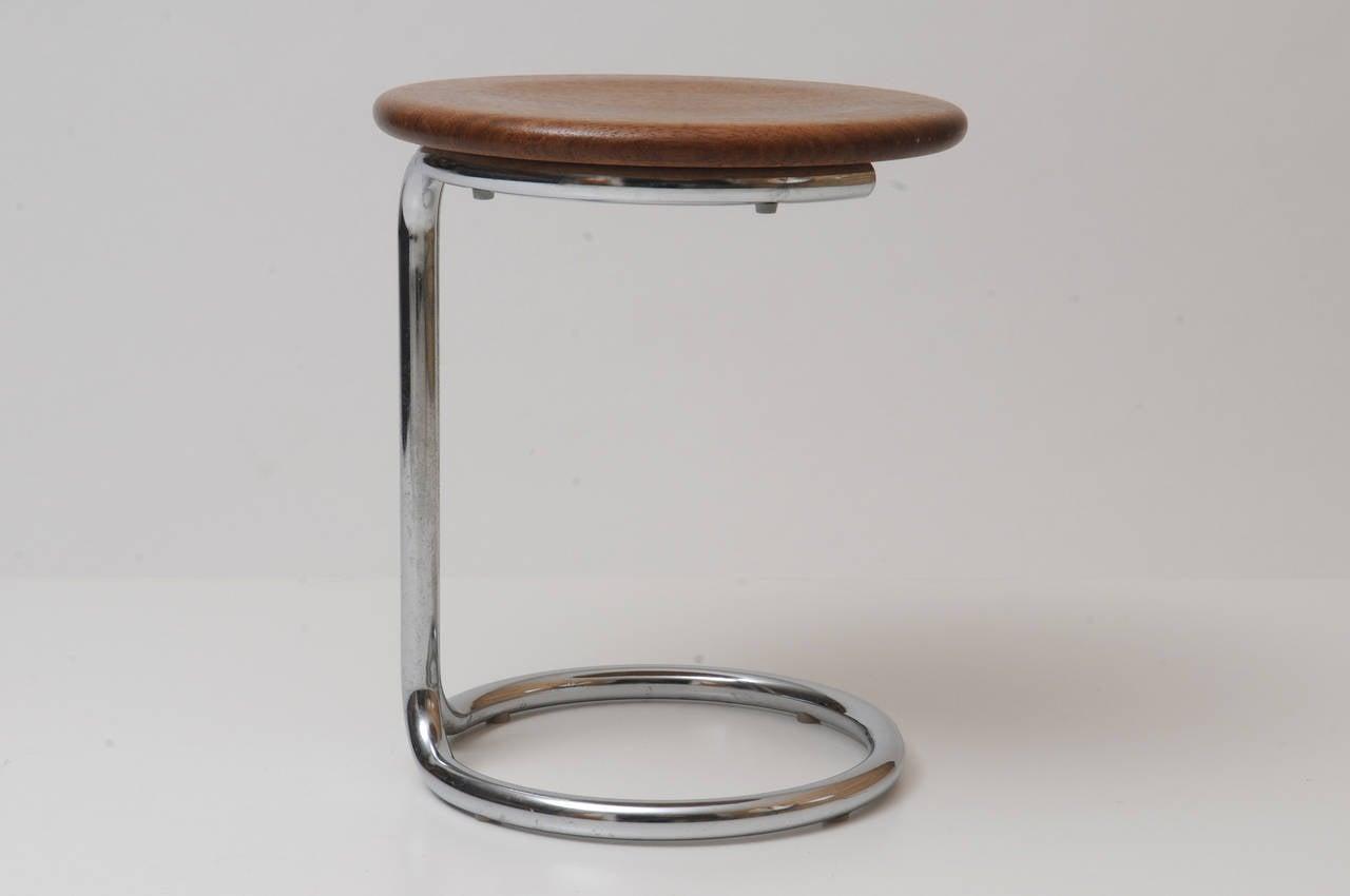tabouret bois metal tabouret de bar carr en m tal noir et bois wadiga tabouret de bar en ch. Black Bedroom Furniture Sets. Home Design Ideas