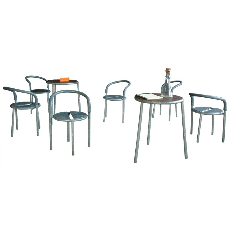 Fritz Hansen Galvanized Steel Pelikan Cafe Table and Chair Set at ...