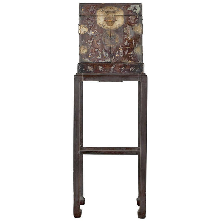 lacquered wood cabinet from china 17th century at 1stdibs