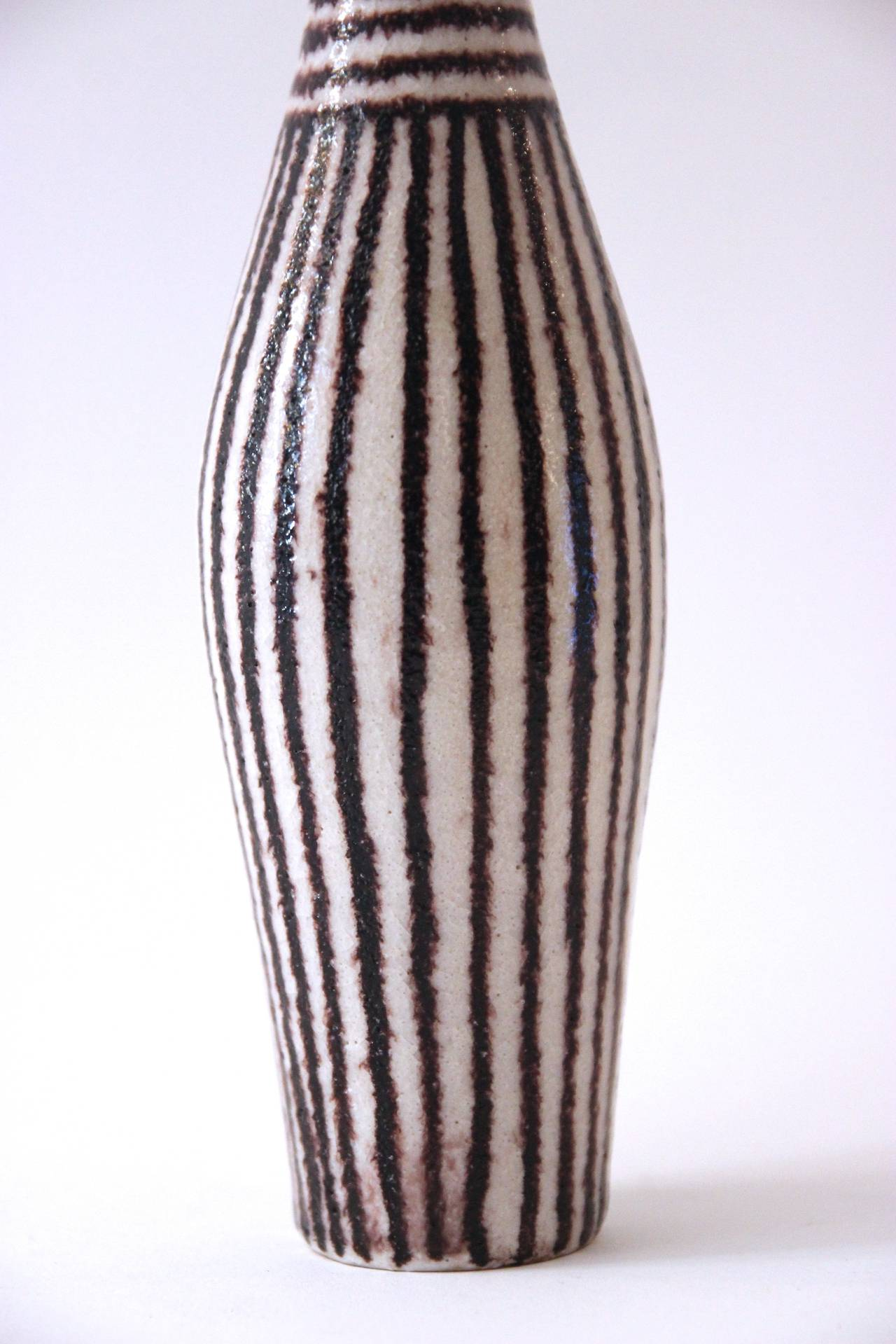 Guido Gambone Signed Ceramic Bottle, Italy, circa 1960 In Good Condition For Sale In Nice, Cote d' Azur