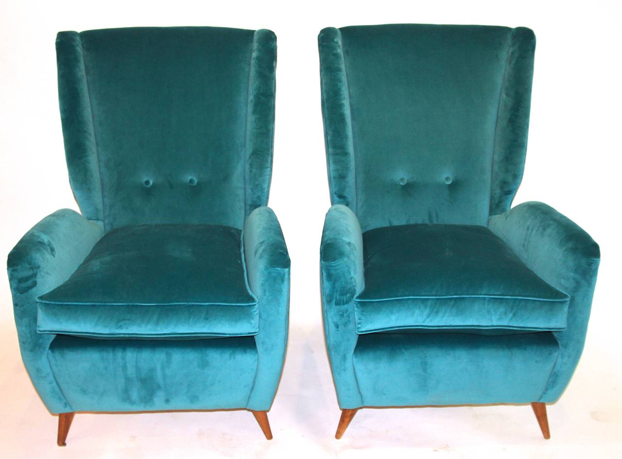 Pair of Armchairs by Gio Ponti, Textile and Wood Feet, circa 1950, Italy 2