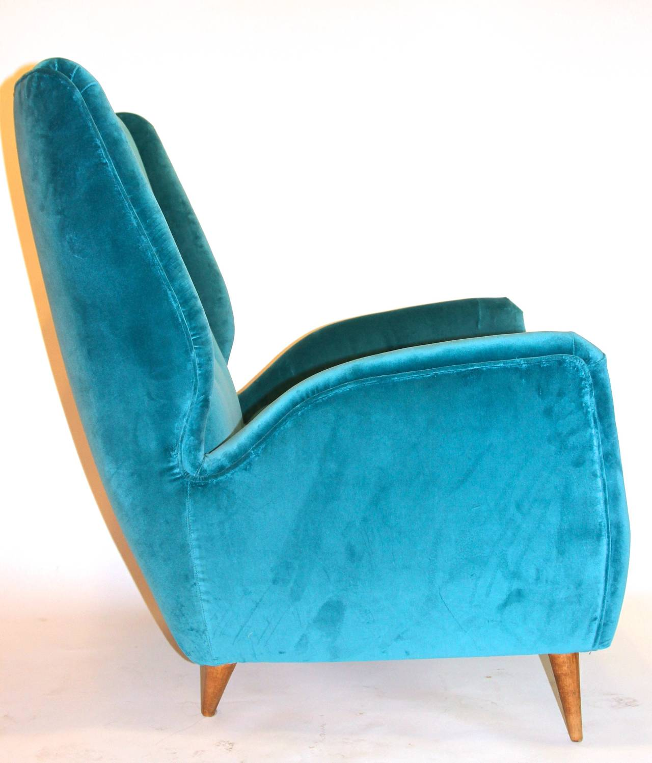 Pair of Armchairs by Gio Ponti, Textile and Wood Feet, circa 1950, Italy 3