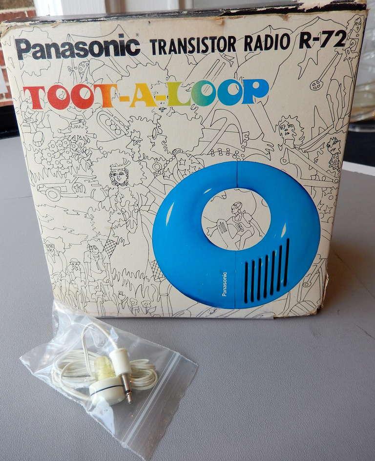 Panasonic Toot-A-Loop Transistor Radio, ca. 1969 image 8