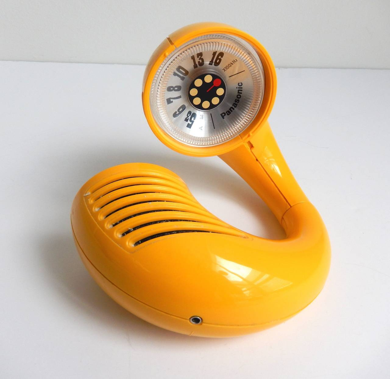 Modern Panasonic Toot-a-Loop Transistor Radio, circa 1969 For Sale
