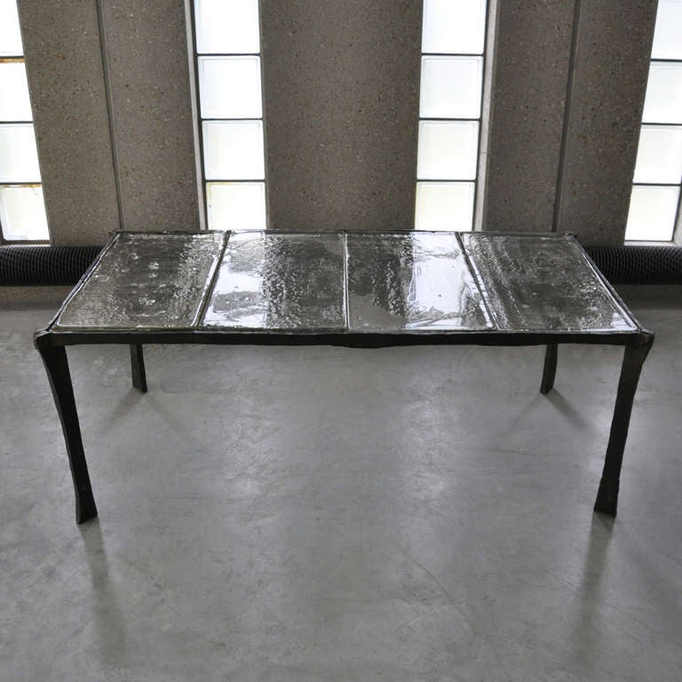 Decorative wrought iron coffee table with 4 sheets of for Cast iron outdoor coffee table