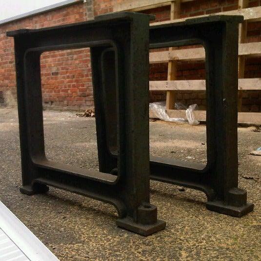 "2 beautiful industrial ""CAST-IRON"" legs, anno 1890. image 4"