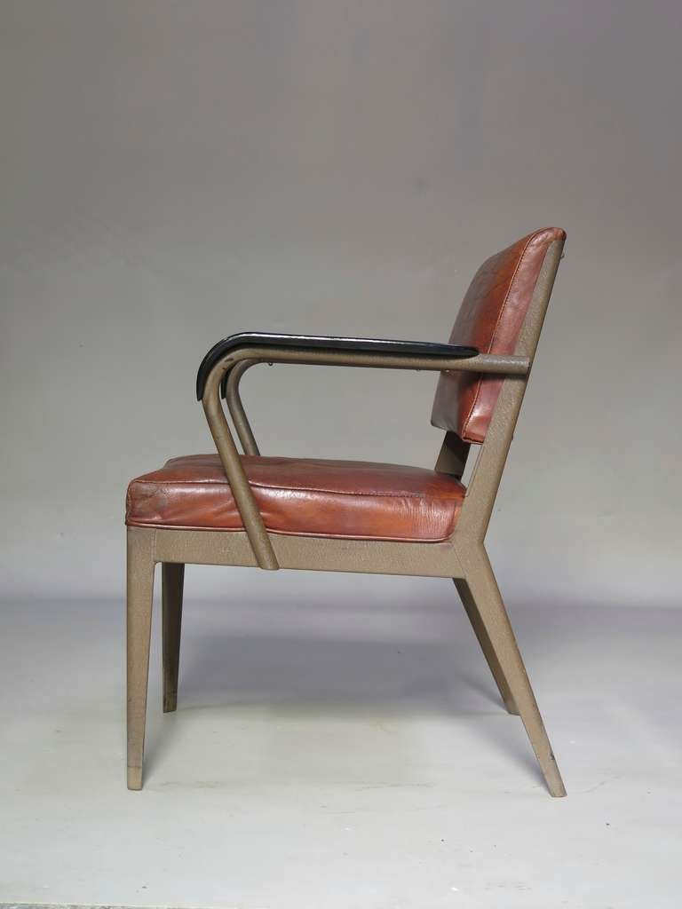 Leather-Upholstered Chair & Armchair - Spain, 1950s In Good Condition For Sale In Isle Sur La Sorgue, Vaucluse