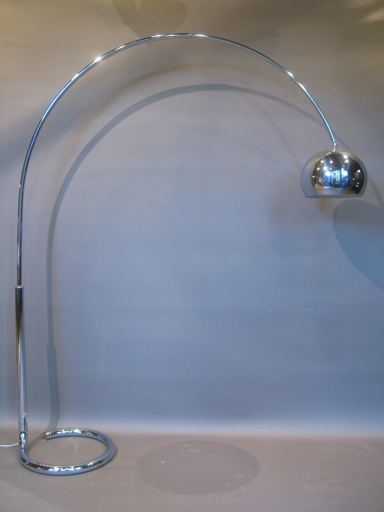 chrome arc floor lamp with telescopic arm france 1950s at 1stdibs. Black Bedroom Furniture Sets. Home Design Ideas