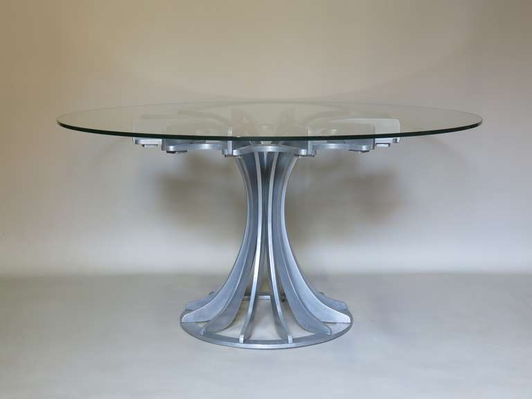 Mid-Century Modern Round and Glass Table For Sale