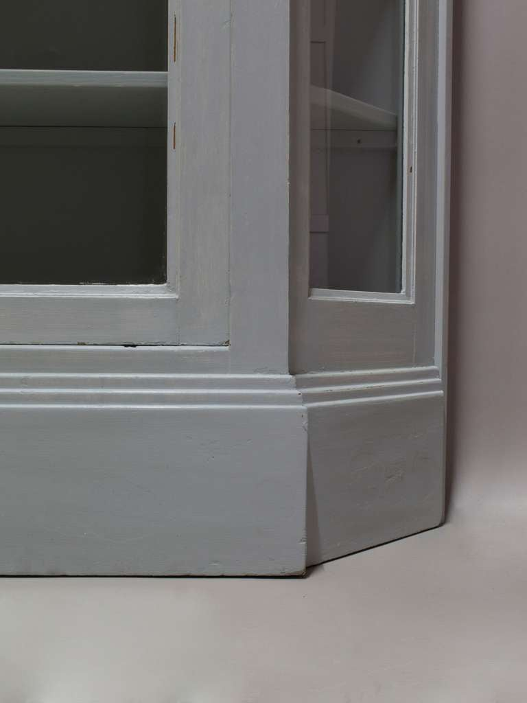 Painted Vitrine with Canted Corners, France, circa 1920s For Sale 2