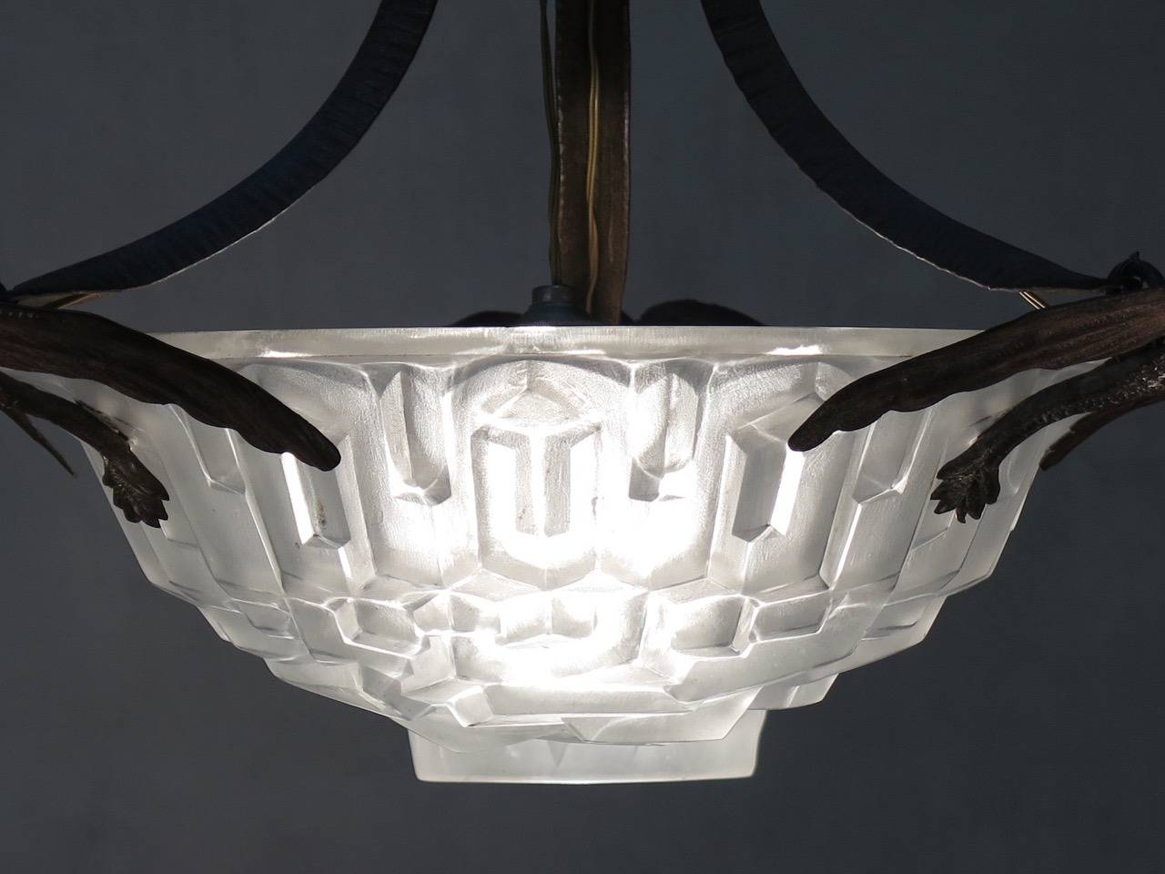 Frosted Art Deco Chandelier by Degue, France, 1930s For Sale