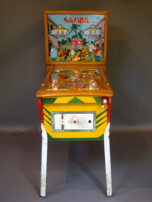 Vintage pinball game from Nice, France. Edited by Alben.  Complete with original instructions and technical sheet.