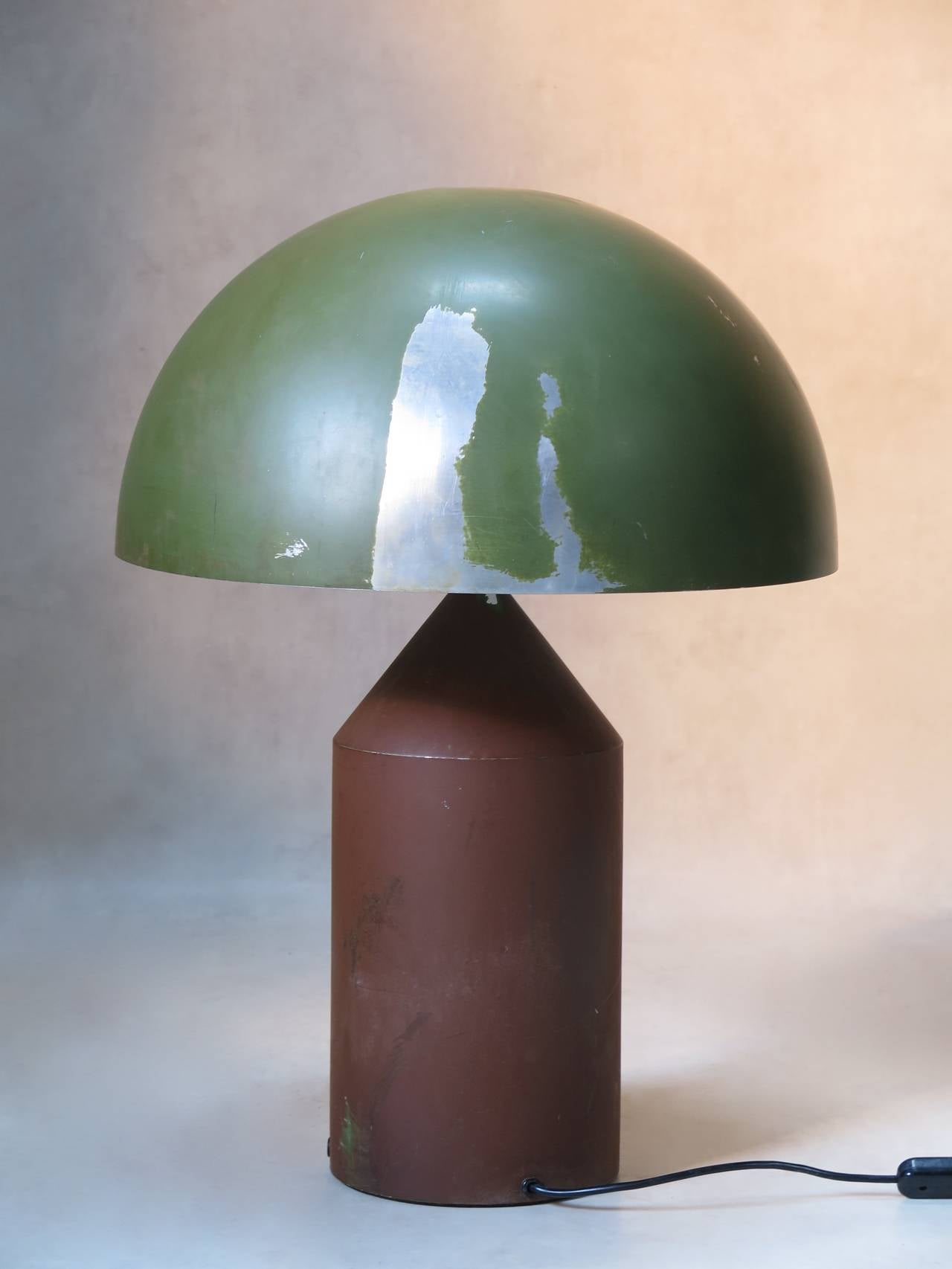 Rare Two-Tone Atollo Lamp by Vico Magistretti for O Luce In Distressed Condition In Isle Sur La Sorgue, Vaucluse