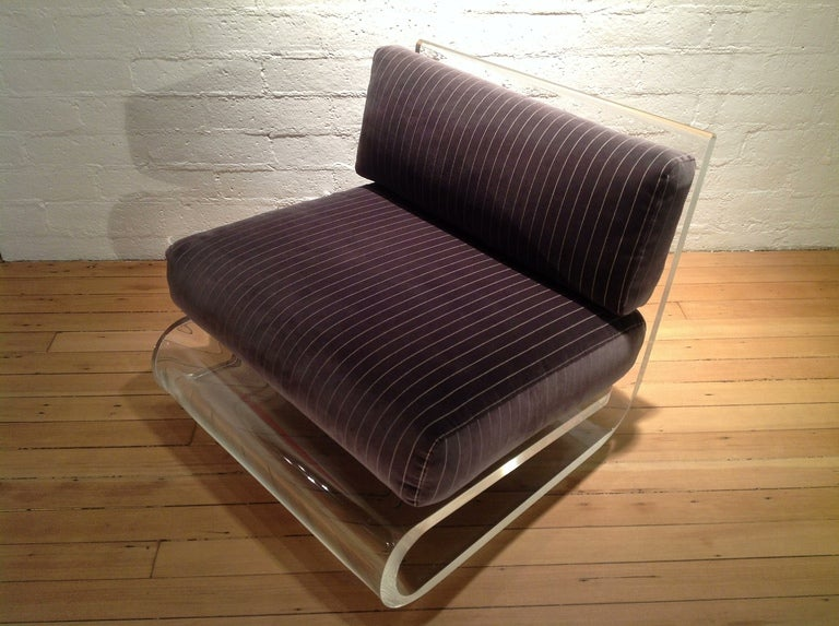 An exceptional Acrylic Lounge Chair by Gary Gutterman 3