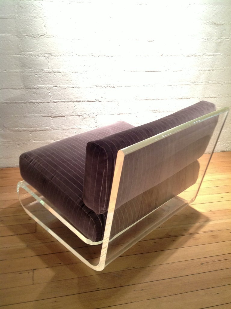 An exceptional Acrylic Lounge Chair by Gary Gutterman 4