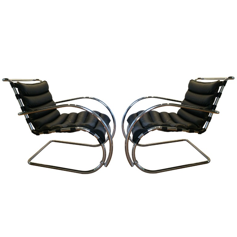 A Pair Of Mies Van Der Rohe MR Lounge Chairs At 1stdibs